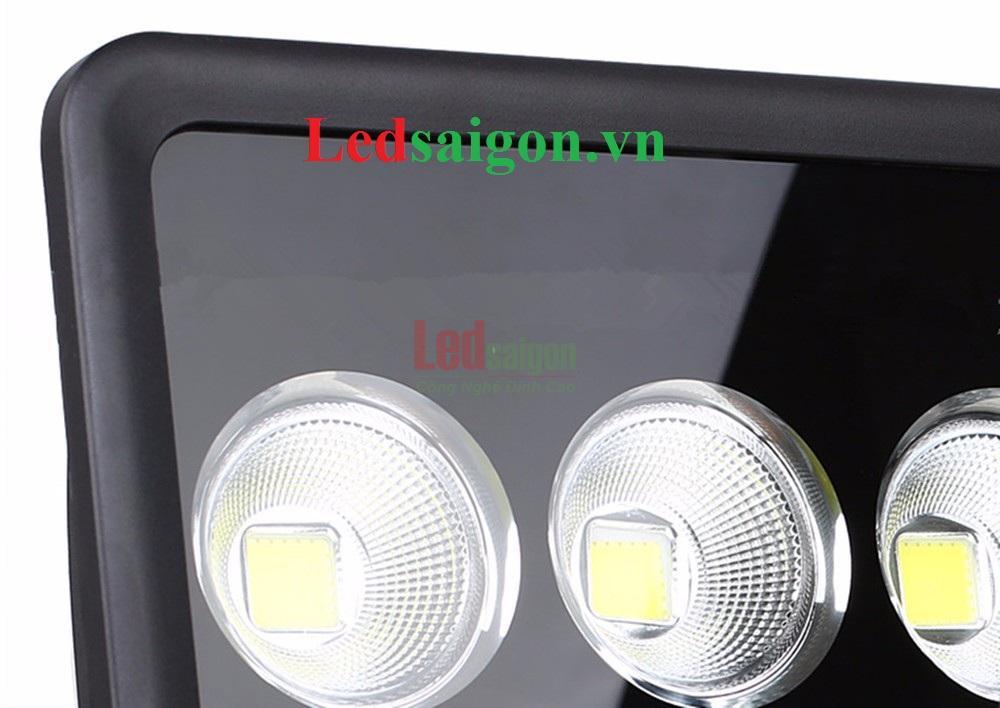 Đèn pha led 500w IP65