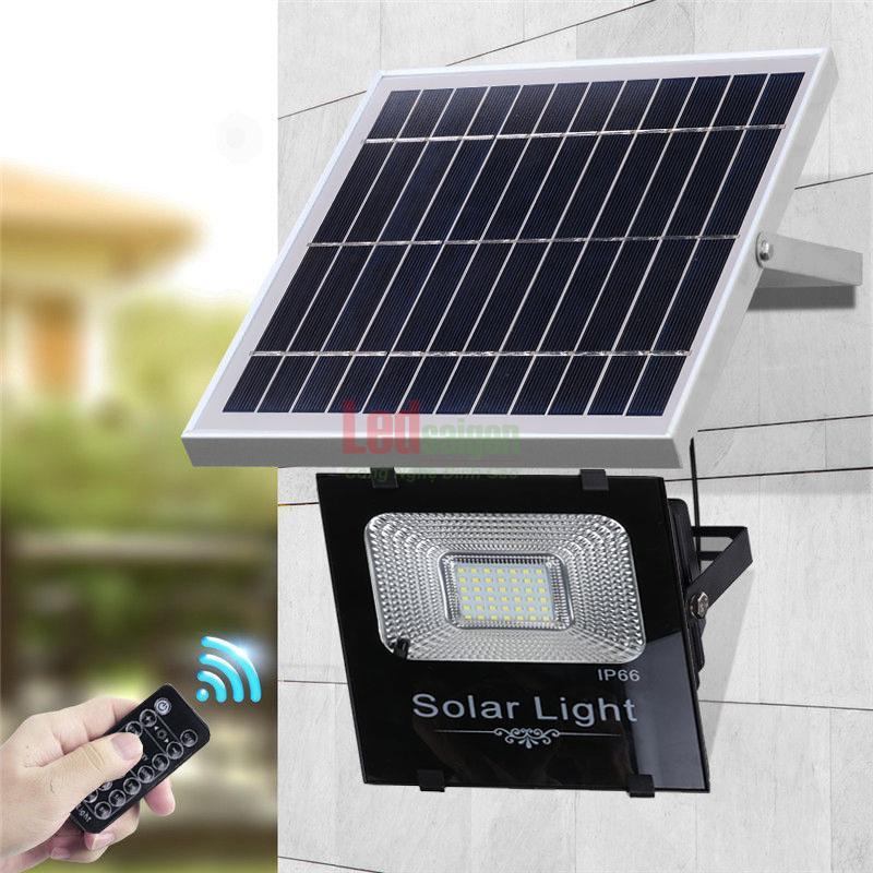 Bộ đèn pha năng lượng mặt trời