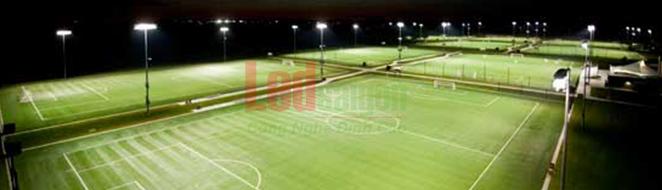 đèn pha sử dụng cho sân bóng đá