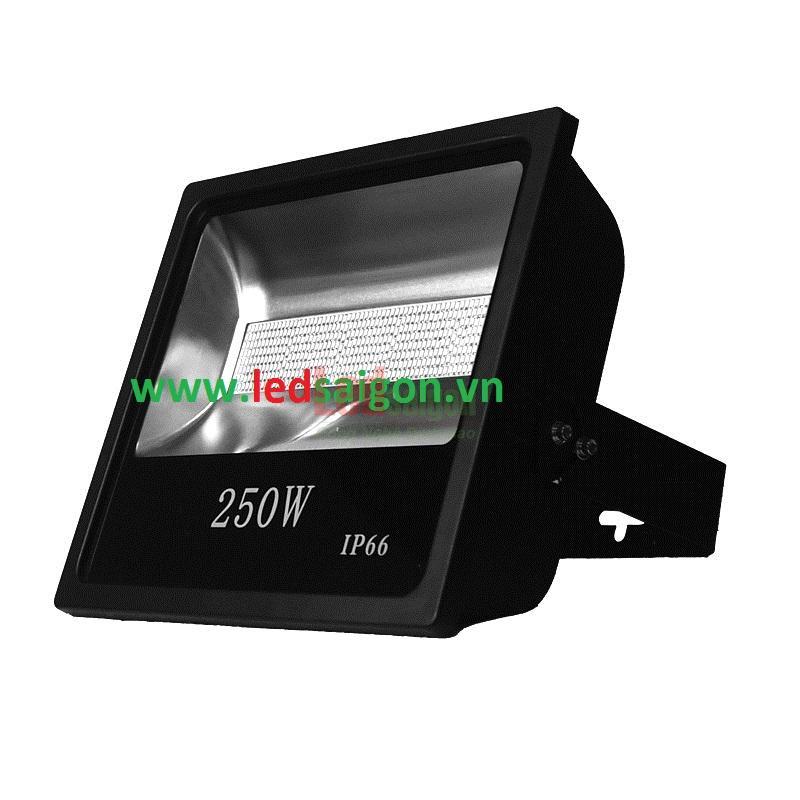Đèn pha sử dụng chíp led smd 250w