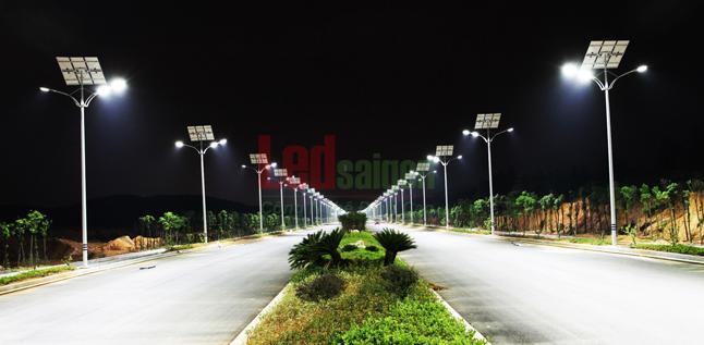 Đèn năng lượng mặt trời tại Sài Gòn